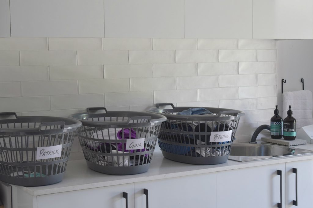 2_laundry-sorting-system